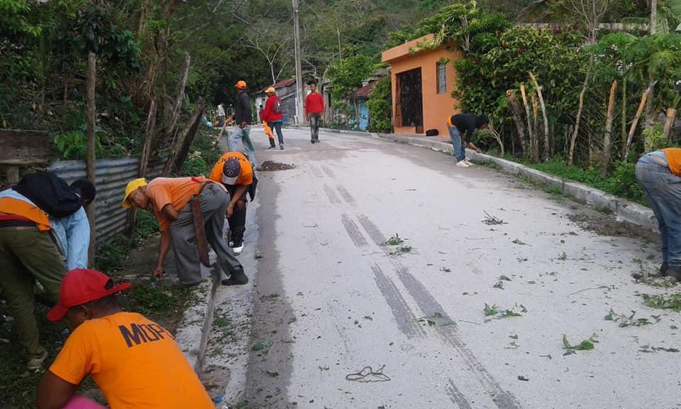 Polo realizan un amplio operativo de limpieza en La Sección de Los Arroyos