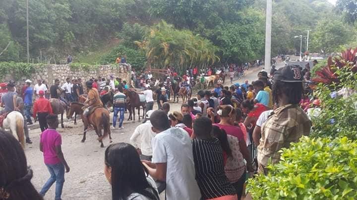 Indudablemente el 29 de junio,día de San Pedro a unificado a toda la familia Polera. Muchas felicidades.
